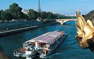 Bateaux Parisiens Christmas Day Lunch Cruise