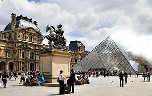 Louvre Museum Guided Visit & Admission